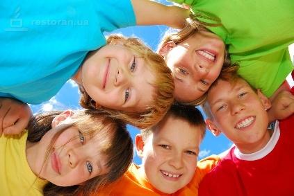 1 червня світ відзначає Міжнародний день захисту дітей